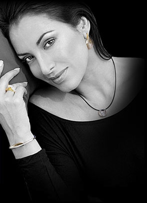 World renowned designer jewelry. Engagement Rings, Necklaces, Bracelets, Earrings