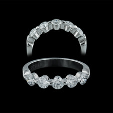 Memoire .999 Platinum single shared prong wedding band