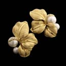 Annamarie Cammilli 18kt yellow gold floral earrings with pave diamonds and white pearls