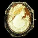 A beautiful early 20th century antique cameo brooch/pendant. 