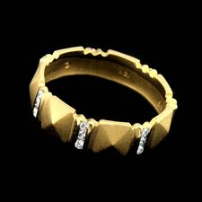 Closeout Jewelry 18 karat gold wedding ring by Chris Correia