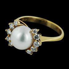 Pearl Collection Gold Pearl and Diamond ring