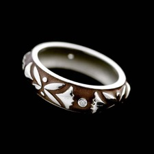 18kt white gold dark brown enamel band set with bezel set diamonds