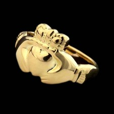 Charles Green Ladies Charles Green 18kt yellow gold Claddagh ring