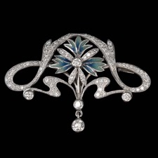 Truly amazing, this 18kt white gold brooch from Nouveau Collection has 1.30ctw of diamonds and can also be worn as a pendant.
