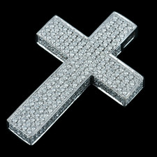 Spectacular diamond cross
